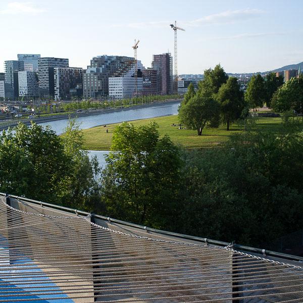 Middelalderparken og Barcode sett fra Sørenga bro