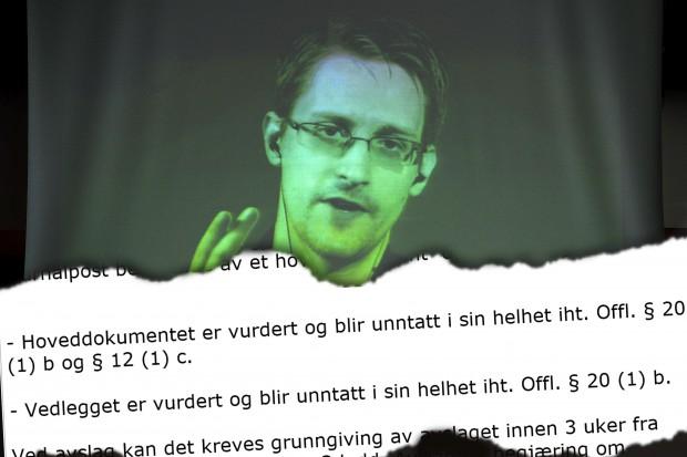 """Innsynsavslag i Snowden-dokumenter (montasje): """"Hoveddokumentet er vurdert og blir unntatt i sin helhet iht. Offl. § 20 (1) b og § 12 (1) c."""""""