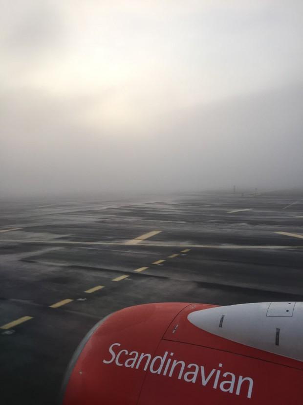 Blanding av tendenser til klar himmel og tendenser til tykk tåke ved avgang fra Gardermoen.