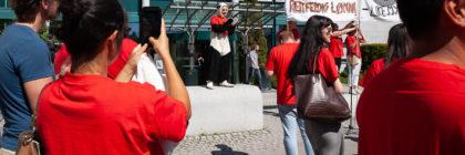Panda-parade utenfor tv-resepsjonen til NRK på Marienlyst